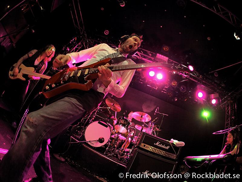 Paul Gilbert @ Sticky Fingers / Göteborg 20130421 - FO - Bild03
