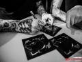 Raised Fist_signering_Cathrin-2